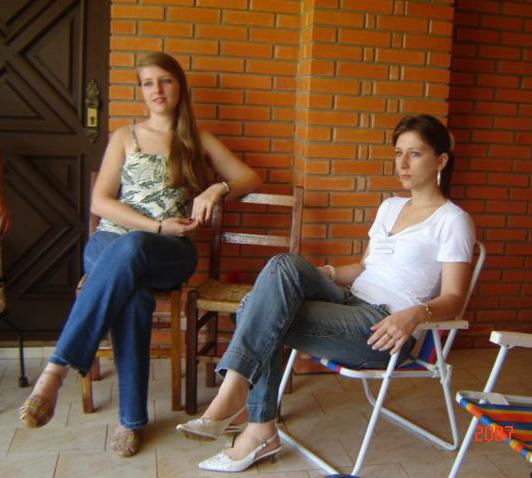 Clarice e Liciane Roling, casa de Zeferino e Nilde Stello.