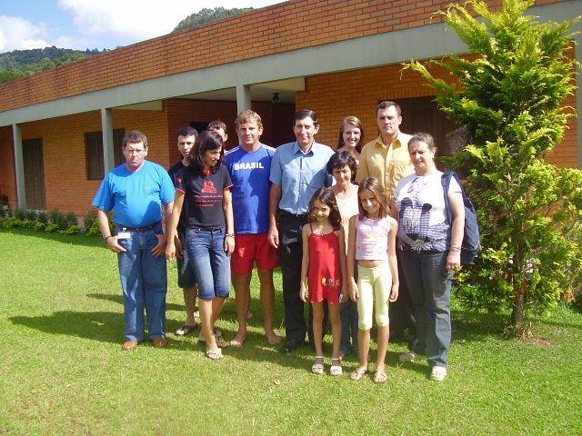 Mario Dametto e família de Maria T. Dametto Roling, com a família de Zeferino e Nilde Lodi Stello.