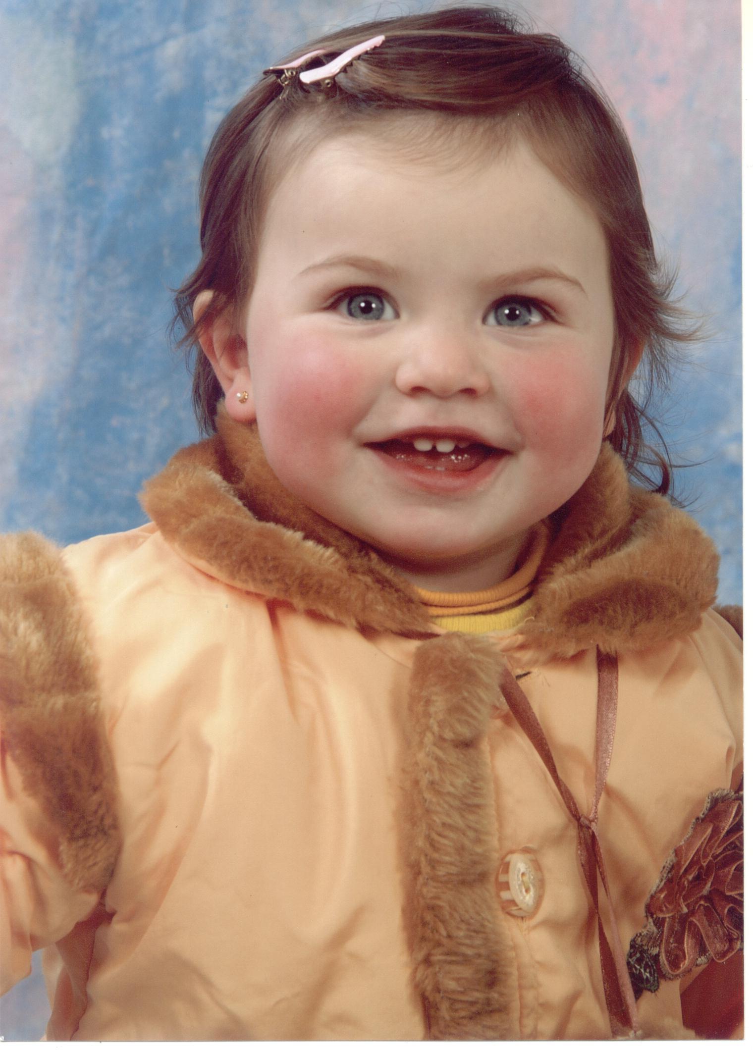 Mariana Dametto (*05/05/2005), filha de Aldo João Dametto e Marisa Mariotti Dametto, neta de Hermínio e Lurdes Bettoni Dametto.
