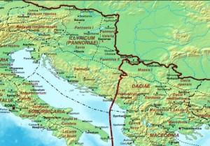 Mapa da antiga Dalmácia, separada da Península Itálica pelo mar Adriático. O Adriático é uma parte do mar Mediterrâneo, um golfo muito alongado fechado ao norte. Ele banha o norte e o leste da Itália e o oeste da península balcânica.