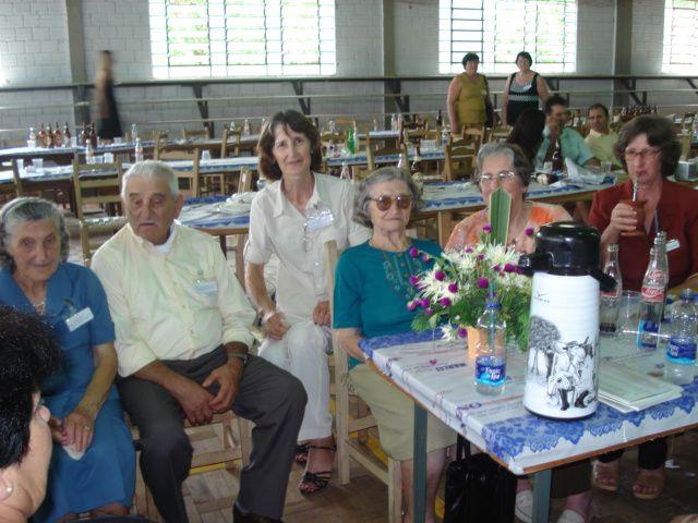 Tia Maria e tio Agostinho Parisotto, Eugênia Dametto, Carmelinda Parisotto, Maria Dametto Salton e Teresinha Dametto.