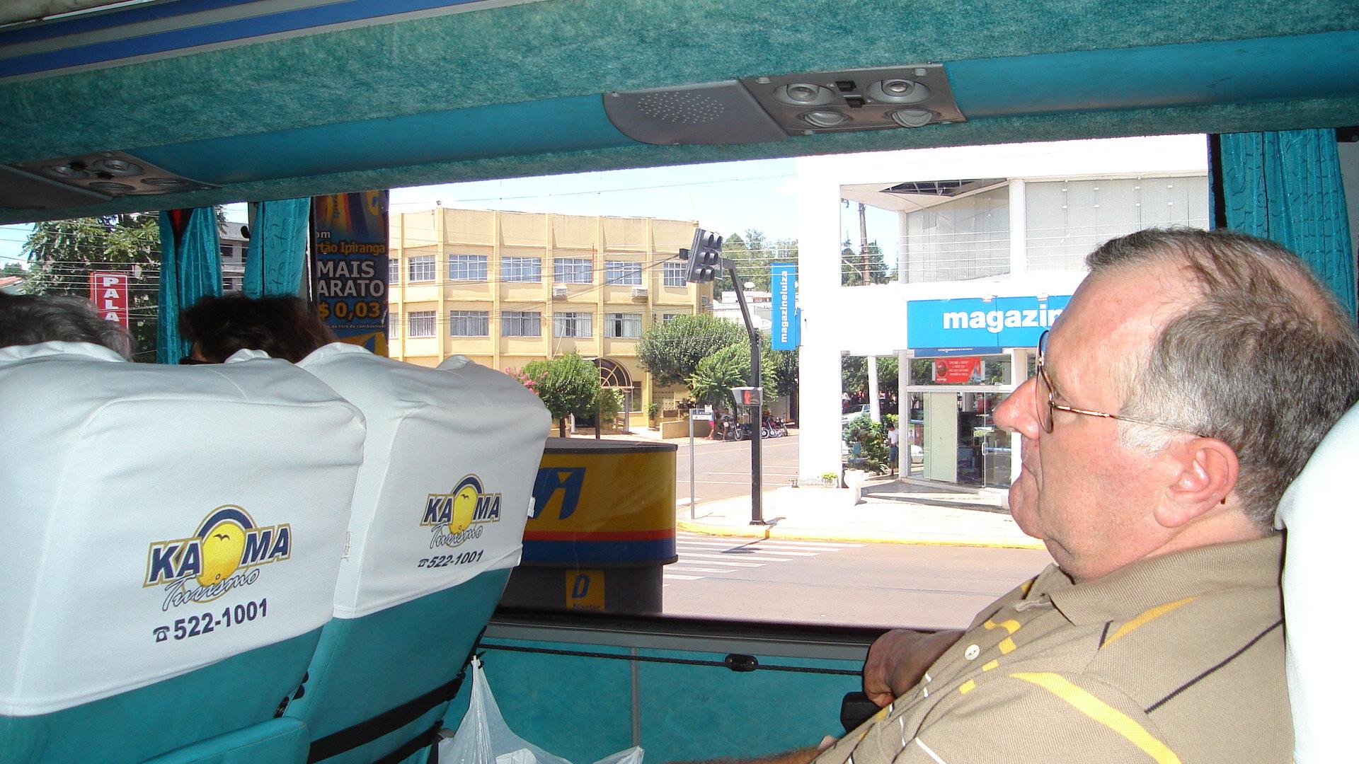 Danilo Dametto - saída do ônibus em Maravilha, SC.