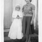 Assunta Dametto, 1a. comunhão, com a madrinha Ana Maria Stello Dametto.