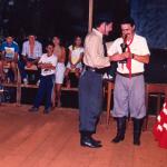 Claudio Luiz Dametto recebendo prêmio.