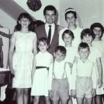 Casamento de José Bruno Chies e Aura Maria Bogo, em 26/12/1964, com sobrinhos.