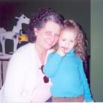 Maria Terezinha Dametto e sua neta Jennifer de Oliveira Roling.