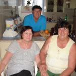 Pe. Miguel Carlos Dametto e suas irmãs Gema e Verônica Dametto.