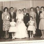Nelson Adelino Baseggio e Décia Spagnol com aias, madrinhas e padrinhos de casamento.