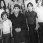 Victoria Zanatta Dametto (1891-1973) com a filha Nilda Dametto Carrissimi, neta Rejane e netos Celso e Regis.