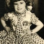 Maria Regina Dametto prenda em festa junina do Colégio Santa Dorotea - dia 06/07/1958.