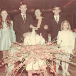 Maria Regina Dametto – 15 anos: Rui, Maria Regina, Adelino e Maria Santina, José Antônio e Eliane.