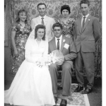 Rosa Dametto e Euclides Mayer com madrinhas e padrinhos de casamento, no dia 01/02/1961.