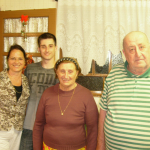 Severino Dametto e Maria Hermínia Teló Dametto, com o neto Jonas Dametto e a nora Salete Skinbiski Dametto.