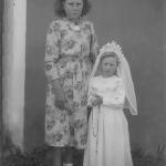 Terezinha Ana Dametto, 1a. comunhão, com a madrinha Rosa Dametto.