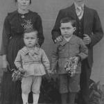 Catharina Zanatta e Vitorio Dametto, casados em 22/06/1918, com os filhos Laurindo e Selvino Paulo.