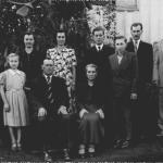 Família Vitorio Dametto e Catharina Zanatta. Na frente: Osana, Vitorio e Catarina, Luiz. Atrás: Alvina, Helena, Leonilda, Alcides, Laurindo, Selvino.