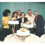 Família Fermina Zanatta e Artemio Domenico Mazaro. Comemoração dos 80 anos de Fermina. Maria de Lurdes, Inês, Onofre, Fermina, Pedro Paulino e Vicente.