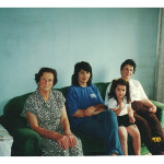 Fermina Zanatta Mazaro, Luceres Faria e Renata Lia (nora e neta de Olívio Zanatta), e Inês Fontana Zanatta, viúva de Olívio, quarto filho de Joanna Dametto Zanatta.