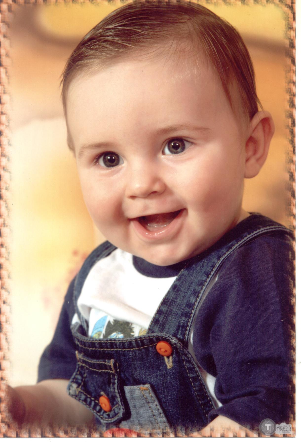 RODRIGO Mariotti (*09/01/2006), trineto, neto de Verônica Dametto Mariotti, filho de Sidinei Mariotti e Tânia Berlatho Mariotti.