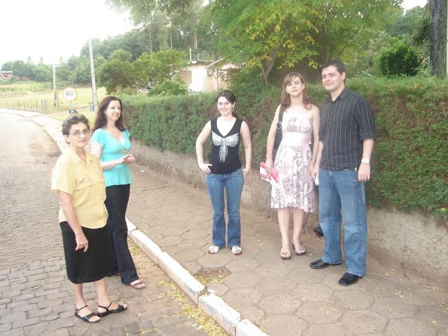 Amélia e Assunta Dametto, Juniele Dametto, Juliana Kraieski e Fernando Dametto.