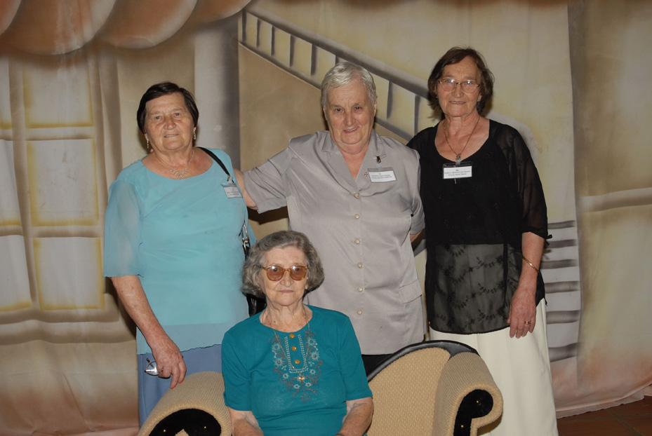 Tias: Maria Teló, Onorina Nardi, Amélia Teló e Carmelinda Parisotto (sentada).