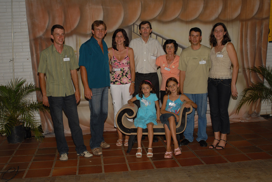 Família Zeferino Stello, filho de Angelina Dametto e Domingos Stello. Primeiro Encontro da Família Dametto, dia 09/02/2007.