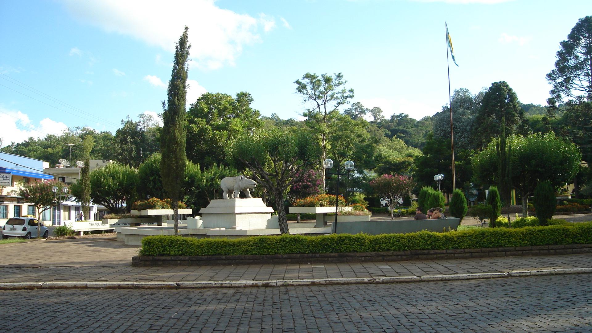 Praça de Anta Gorda, RS.