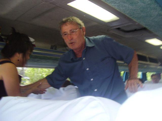 Encontro de Honorino Dametto com seus familiares no ônibus.