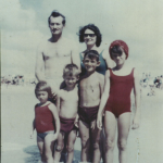 Família Adelino Dametto, c. 1964. Praia de Imbé, litoral gaúcho.