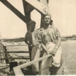 Adelino Dametto e amigo em Porto Alegre - ponte do rio Guaíba.