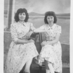Ana Maria Andreolli e Catarina Maria Dametto (filha de Victor Dametto), catequistas da Capela Santo Antônio, Linha Quarta, Anta Gorda - RS, 1959-1962.