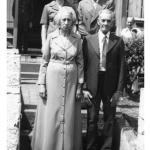 Corona Canalli e Danilo Dametto (atrás) e casal que comprou a casa onde morou a família de Valentim e Victoria Zanatta Dametto em Tapejara, esquina Rua do Comércio e Rua Coronel Gervásio.