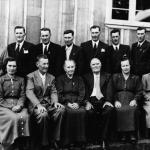 Família José Dametto – Bodas de Ouro, 9 de fevereiro de 1957 (menos tia Filotéia, falecida em 13/01/1951). Sentados: Rosa, Roberto, Maria e José, Angelina, Orelia. Em pé: Elias, Angelo, Francisco, Victor, Fidélis, Antonio, Oreste, João.