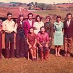 Família de Gentil Armando Dametto e Josefina Veronilda Gastaldo, no dia do casamento de Sadi Divino Dametto, 24/09/1977. Sentados: Josefina e Gentil Armando Dametto. Em pé, da esquerda para a direita: Celso, Vilson, Nelci, Sadi, Vilma, Nilce, Nair, Dorvalino e Fiorentina.