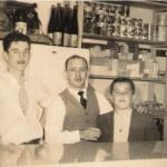 Ivo Chies, Floriano Prezzi e José Bruno Chies no bar do Clube Juventus. Caxias do Sul – RS.