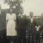 Irmãos Ivo, Nair, Edino, Eloi e José Bruno Chies, c. 1945.