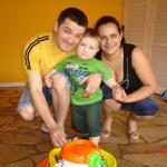 João Roberto Lodi e Kelly Aquino Dametto com o filho Marco Antonio Dametto Lodi.