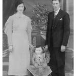 Orélia Luiza Ferrari e Angelo Dametto com o primeiro filho, José Dametto, nascido no dia 26/03/1936.