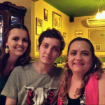 Miriam Regina Steffani, bisneta de Magdalena Dametto Steffani, sua filha Gisele e filho Vinicius.