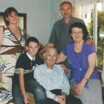 Elzírio Dametto e Maria Fontana com a família de Sergio Dametto: Gélides, Elias e Sergio.