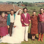 Casamento de Sadi Divino Dametto e Nair Favretto no dia 24/09/1977, entre os pais de Nair e os pais de Sadi: Josefina Gastaldo e Gentil Armando Dametto.