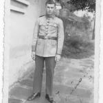 Selvino José Dametto, com uniforme de soldado do Exército.