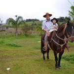Tiago Valentim Dametto com o filho Francisco Gasperin Dametto, nascido no dia 20/07/2011.