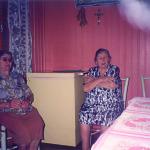 Irmãs Carmelinda e Orsolina Parisotto Dametto. Linha Ouro Verde, Medianeira - Pr, c. 1990.