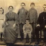 Valentim Dametto e Victoria Zanatta com filha e filhos: Antonina, Angelo Eugenio, Gentil Armando e Eugenio.