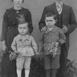 Catharina Zanatta e Vitorio Dametto, com os filhos Laurindo e Selvino.
