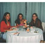 Comemoração dos 80 anos de Fermina Zanatta Mazaro. Thaissu, Elisa e Ana Carolina, netas de Fermina.