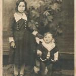 Fermina, primeira filha de Riccieri Zanatta e Joanna Dametto, e Leonido, último filho do casal. Fermina tinha 8 anos e Leonido 25 dias quando Joanna Dametto faleceu. Após a morte da mãe, Leonido foi criado pela tia Cecília Dametto Baseggio e depois foi morar com a tia Amábile Zanatta.
